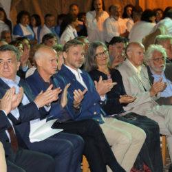 Från vänster riksdagsman Vasilis Kekeroglou, landshövdingen Stavros Arnautakis, Joakim Palme, Georgios Papandreou, Georgios Logothetis, professor G. Grammatikakis med flera.